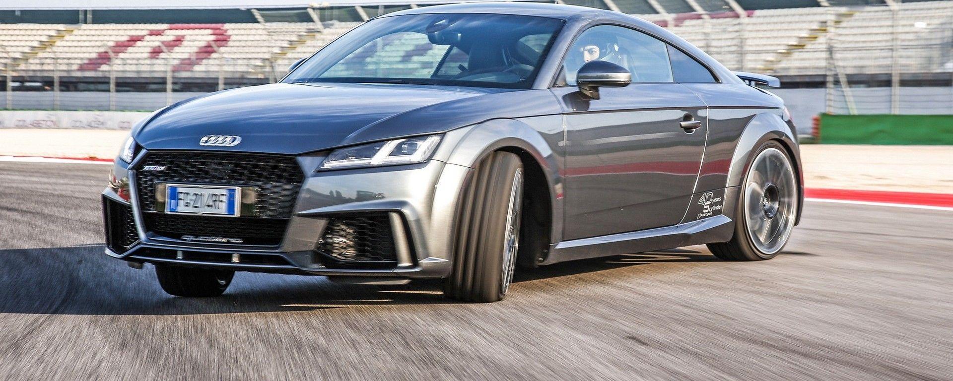 Nuova Audi TT RS 2017: va anche di traverso