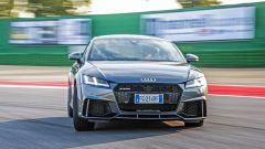 Nuova Audi TT RS 2017: vista frontale in pista