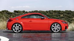 Nuova Audi TT RS 2017: vista laterale