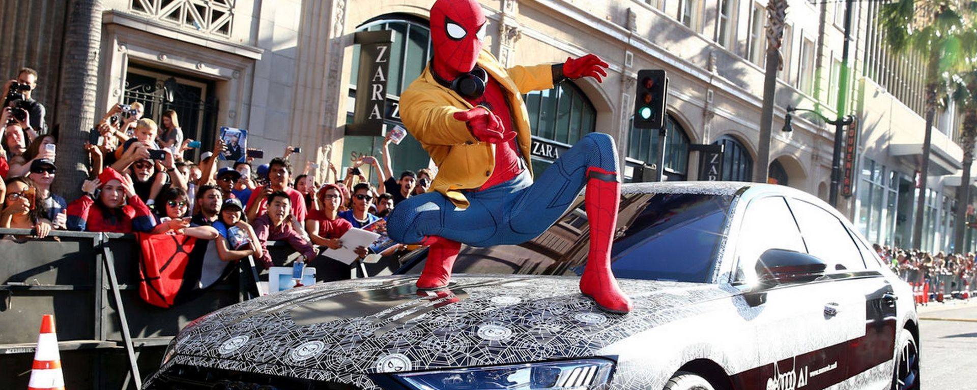 Nuova Audi A8 2017 fida compagna di Spiderman Homecoming