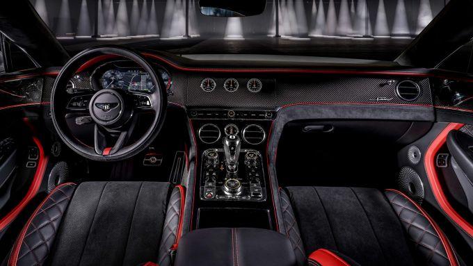 Nuova Bentley Continental GT Speed: abitacolo sportivo con finiture in carbonio