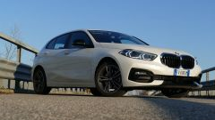 Nuova BMW 118i Sport DCT: il 3/4 anteriore con il frontale inedito