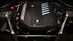 BMW 545e xDrive, Serie 5 plug-in hybrid si fa in 6 (cilindri) - Immagine: 8