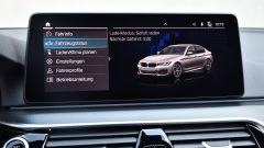 BMW 545e xDrive, Serie 5 plug-in hybrid si fa in 6 (cilindri) - Immagine: 18