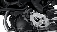 Nuova BMW F 900 R: il motore eroga ora 105 cv