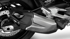 Nuova BMW F 900 R: le emissioni dello scarico rientrano nelle normative Euro5