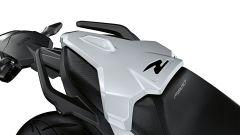 Nuova BMW F 900 R: l'unghia monoposto è optional