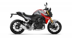 Nuova BMW F 900 R: vista laterale