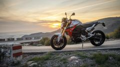 Nuova BMW F900R: vista laterale