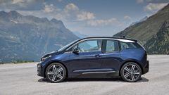 Nuova BMW i3S 2018: più potenza con la modalità Sport - Immagine: 6