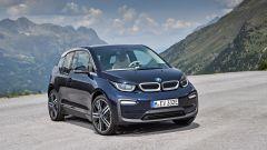 Nuova BMW i3S 2018: più potenza con la modalità Sport - Immagine: 7
