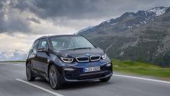 Nuova BMW i3S 2018: più potenza con la modalità Sport - Immagine: 8