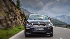 Nuova BMW i3S 2018: più potenza con la modalità Sport - Immagine: 9