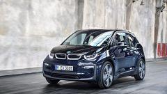 Nuova BMW i3S 2018: più potenza con la modalità Sport - Immagine: 17