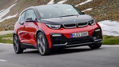 Nuova BMW i3S 2018: più potenza con la modalità Sport - Immagine: 28