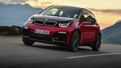 Nuova BMW i3S 2018: più potenza con la modalità Sport - Immagine: 31