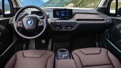 Nuova BMW i3S 2018: più potenza con la modalità Sport - Immagine: 34