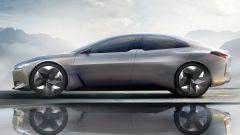 BMW i4, dal 2021 l'elettrica su base Serie 4. Eccola in azione - Immagine: 6