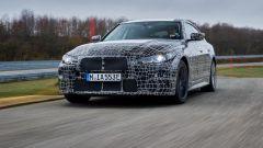 Nuova BMW i4: proseguono i collaudi