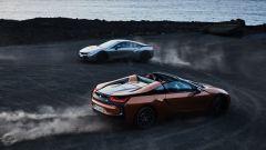 Nuova BMW i8 Roadster e Coupé 2018: più potenza e autonomia - Immagine: 4