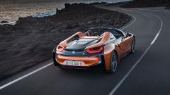 Nuova BMW i8 Roadster e Coupé 2018: più potenza e autonomia - Immagine: 6