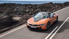 Nuova BMW i8 Roadster e Coupé 2018: più potenza e autonomia - Immagine: 8