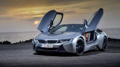 Nuova BMW i8 Roadster e Coupé 2018: più potenza e autonomia - Immagine: 18