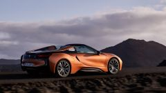 Nuova BMW i8 Roadster e Coupé 2018: più potenza e autonomia - Immagine: 32