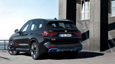Nuova BMW iX3: arriva a settembre il facelift del SUV elettrico tedesco