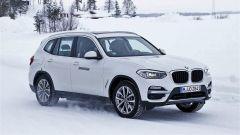 BMW iX3: avvistato il SUV elettrico e plug-in - Immagine: 1