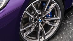 "Nuova BMW M240i xDrive Coupé: cerchi in lega da 17"" in su"