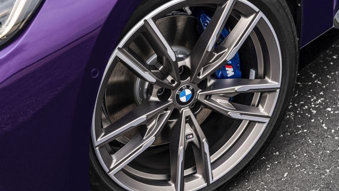 Nuova BMW M240i xDrive Coupé: cerchi in lega da 17
