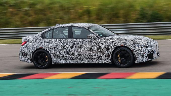 Nuova BMW M4 2021, manca poco al debutto