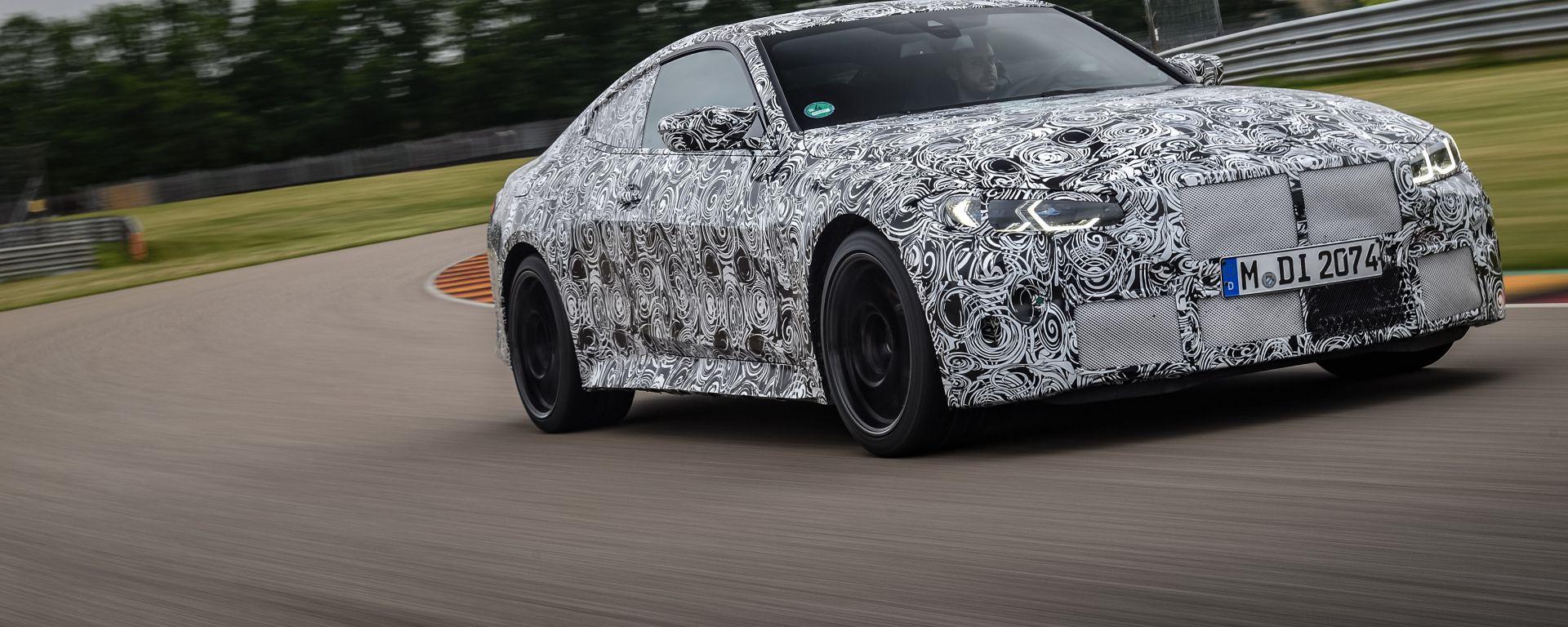 Nuova BMW M4 Coupè, le foto ufficiali del prototipo