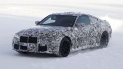BMW M4 Coupé 2020 le foto spia, motore, interni, lancio