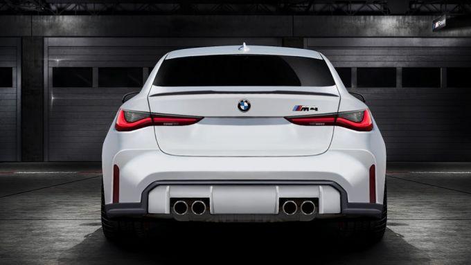 Nuova BMW M4: il design della coda