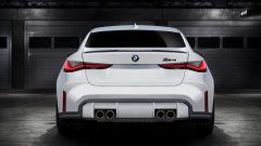 Nuova BMW M4: la coda con i quattro terminali di scarico