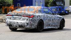 Nuova BMW M4: visuale di 3/4 posteriore