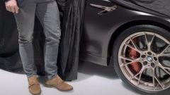 Nuova BMW M5 CS è dietro l'angolo. Che potenza! Video teaser - Immagine: 2