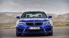 BMW M5 2018, da aprile anche il Competition Package. 625 cv - Immagine: 5