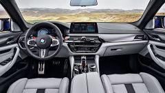 BMW M5 2018, da aprile anche il Competition Package. 625 cv - Immagine: 7