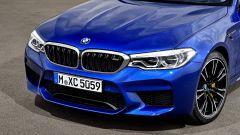 BMW M5 2018, da aprile anche il Competition Package. 625 cv - Immagine: 12