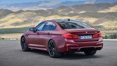 BMW M5 2018, da aprile anche il Competition Package. 625 cv - Immagine: 15