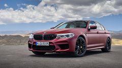 BMW M5 2018, da aprile anche il Competition Package. 625 cv - Immagine: 16