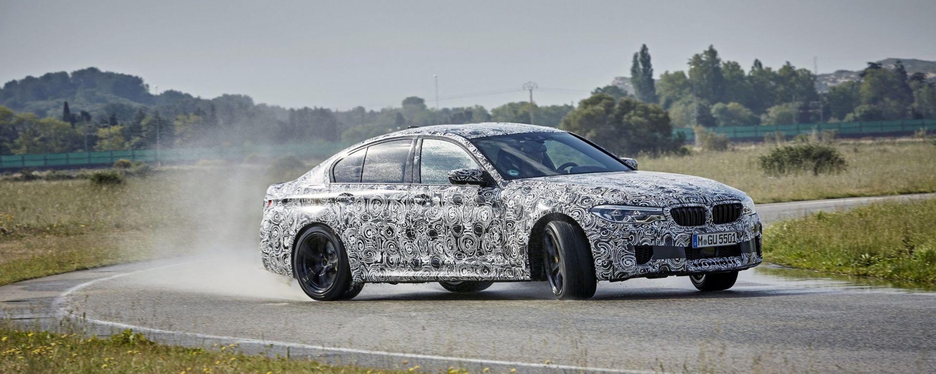 Nuova BMW M5: trazione posteriore o integrale