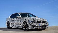 Nuova BMW M5: vista 3/4 anteriore