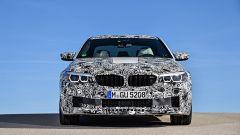 Nuova BMW M5: vista anteriore