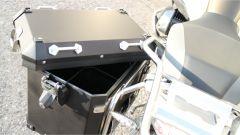 Nuova BMW R 1250 GS Adventure 2019: dettaglio della valigia