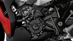 Nuova BMW S1000 XR: il quattro cilindri e il rinvio del cambio quickshift