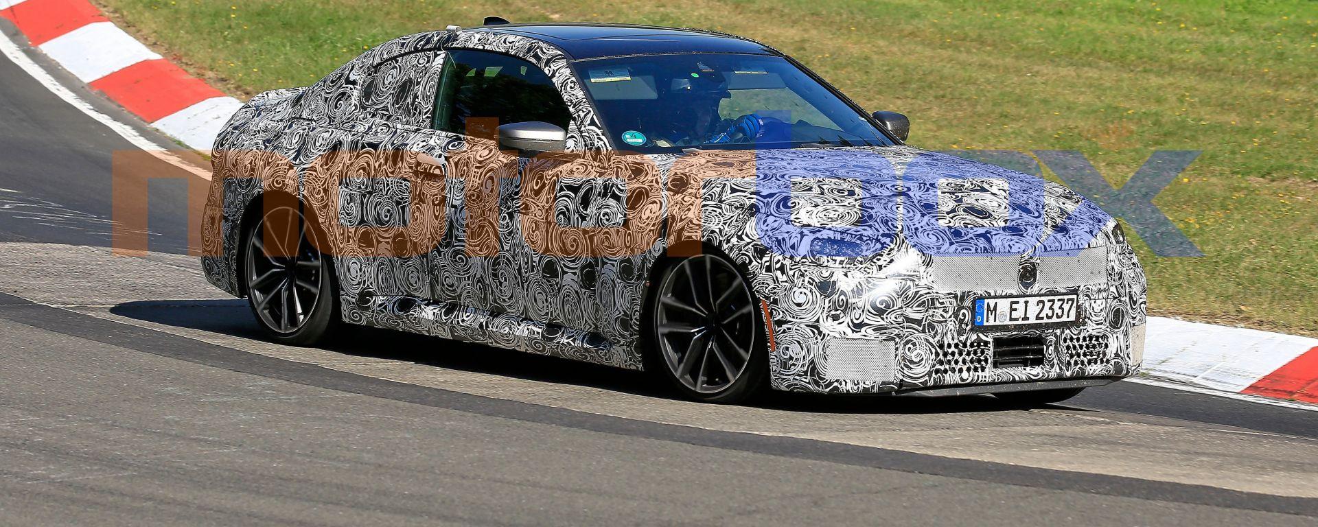 Nuova BMW Seri 2 Coupé: i collaudi in pista della sportiva tedesca